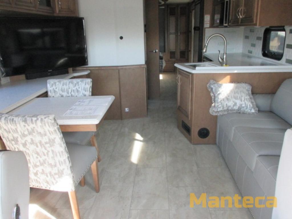 Newmar 2 interior